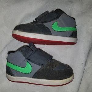Nike Toddler Boys tennis shoes